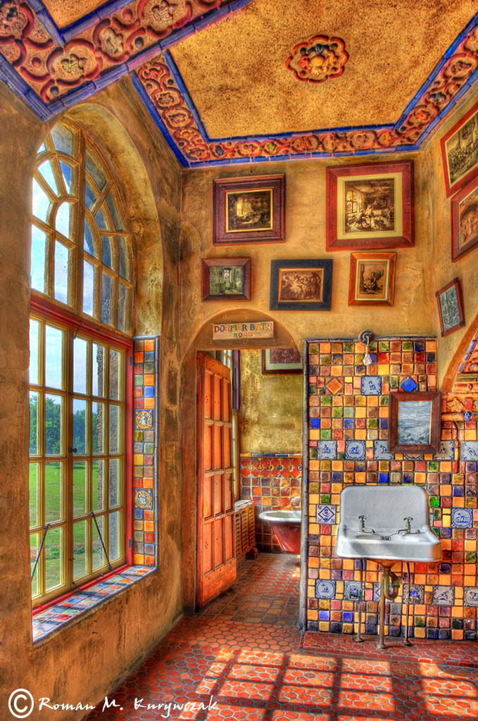 leading into the bathroom at Fonthill Castle